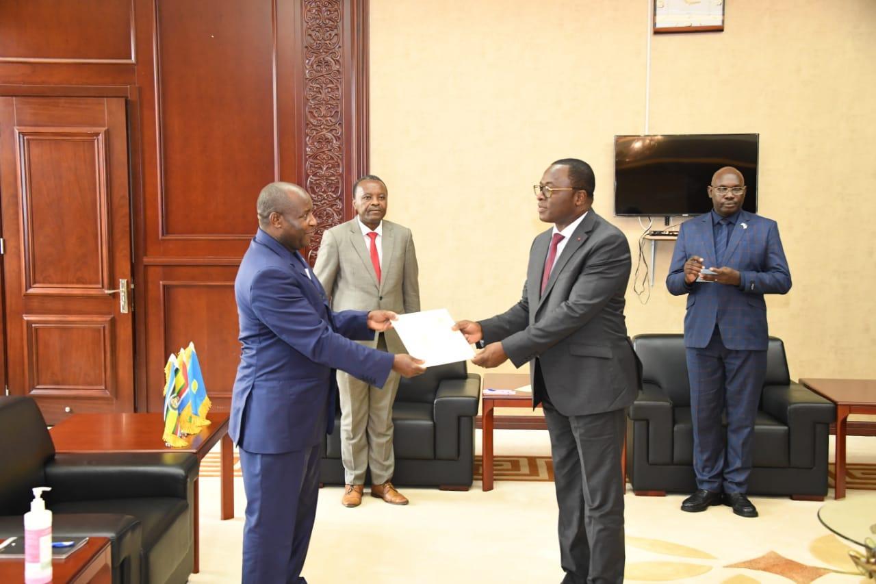 Visite du Ministre Danho Paulin au Président du Burundi